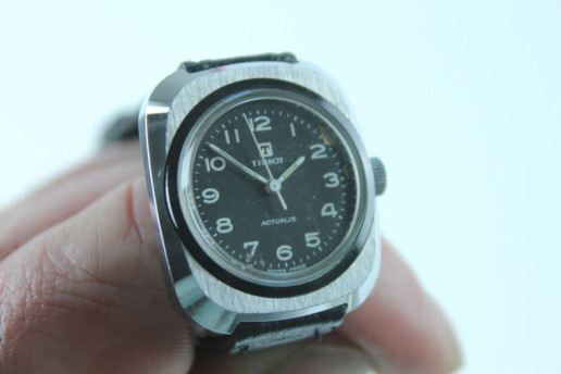 TISSOT ACTUALIS VINTAGE BIT DAMAGED DISPLAY