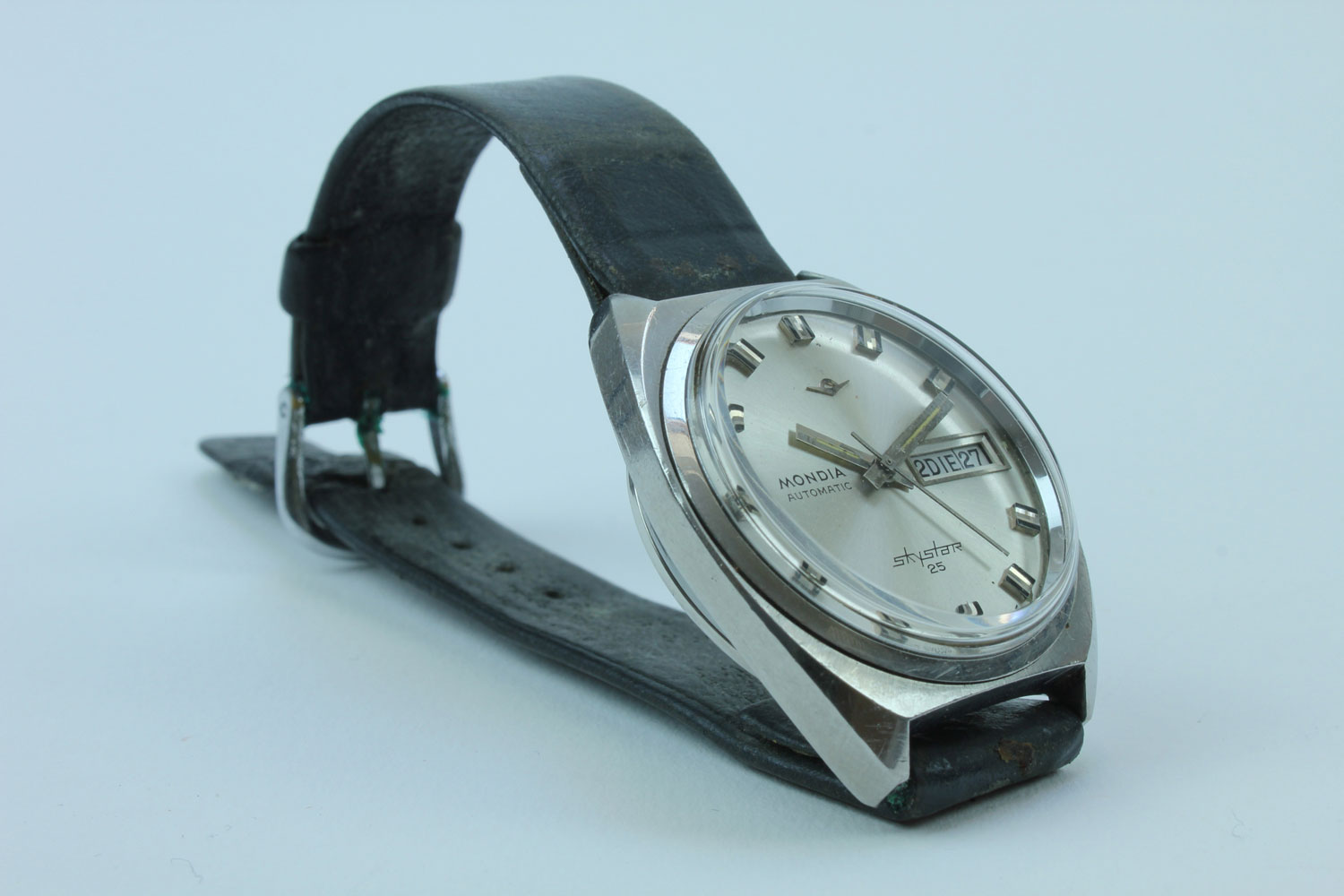 MONDIA WATCH SWISSMADE SKYSTAR 25 WATCH VINTAGE USED