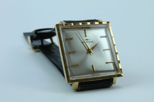 MONDIA SWISS MADE WATCH GOLDCOLORED HANDWINDING VINTAGE UNUSED