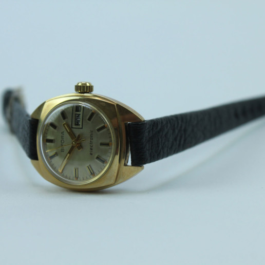 BIFORA LADYWATCH ELECTRONIC GOLDCOLOR VINTAGE UNUSED